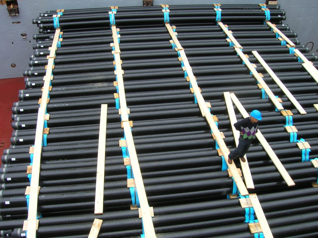 PIPES ON VESSEL